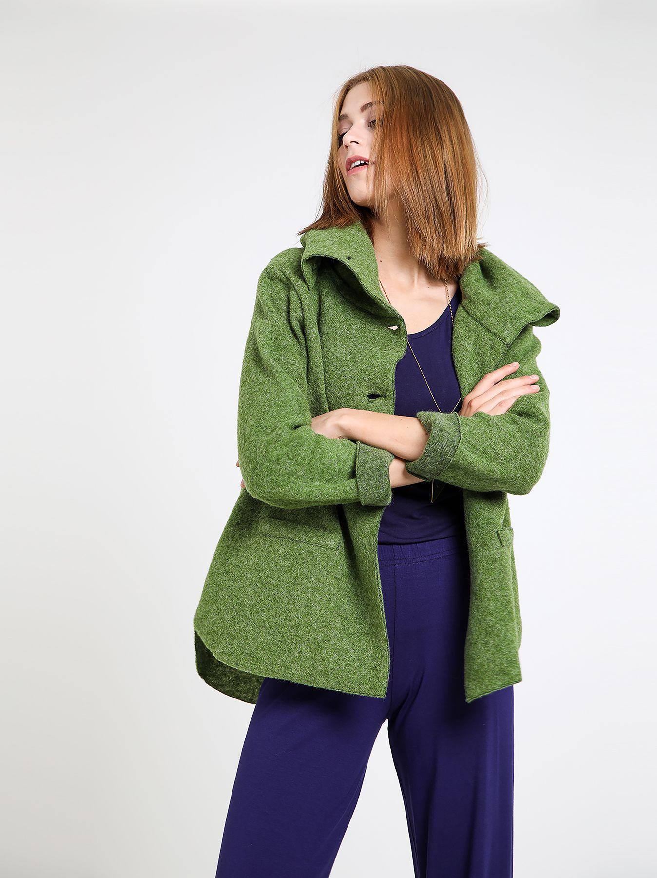 Giacca in lana cotta con collo alto