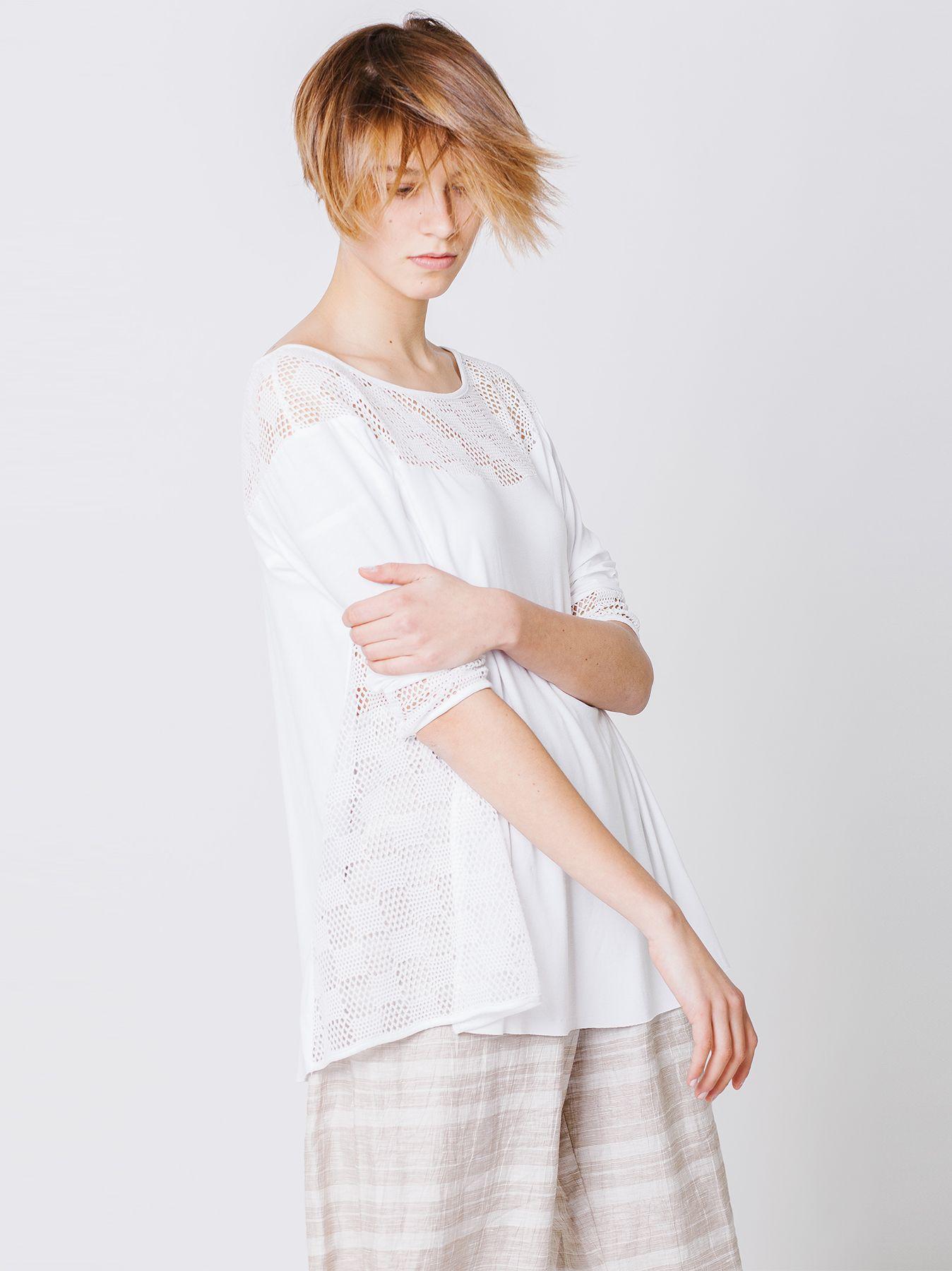 T-shirt con inserti a rete