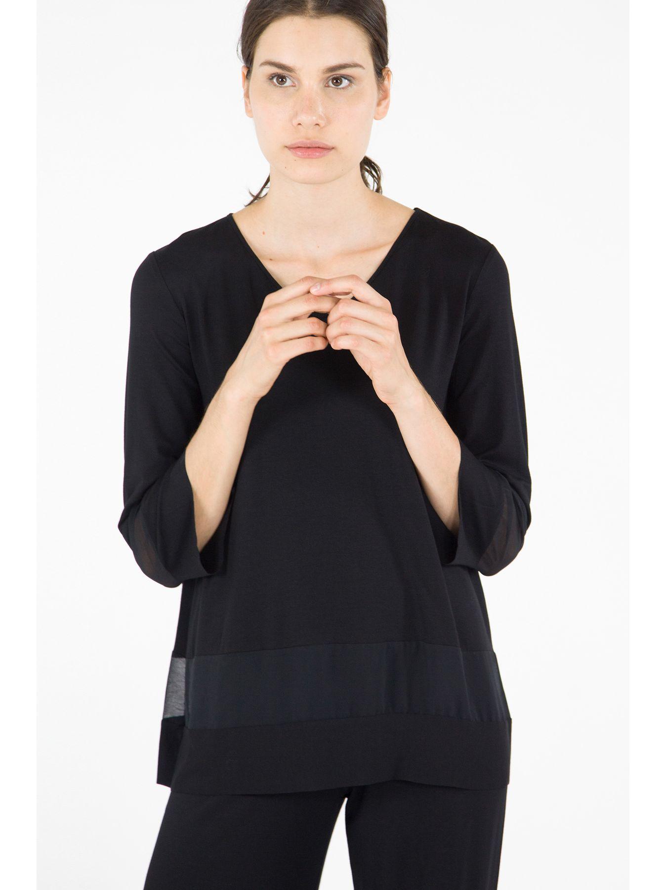 T-shirt con inserti in chiffon