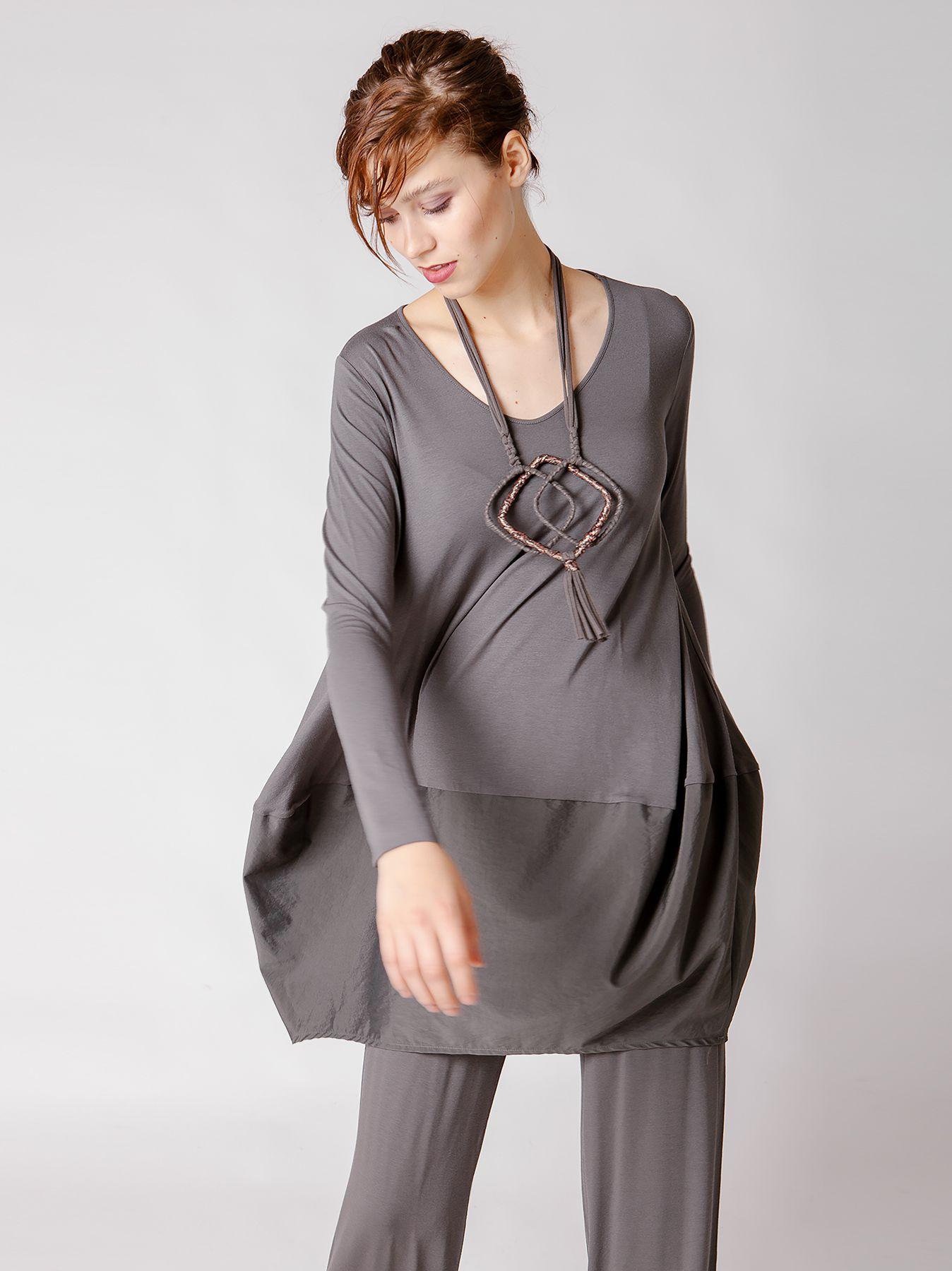 Maxi t-shirt con inserto in tessuto tecnico