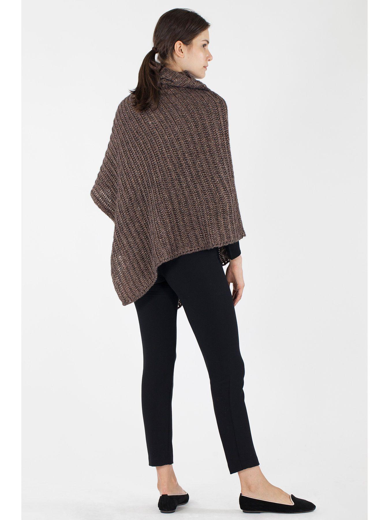 Poncho collo alto in maglia