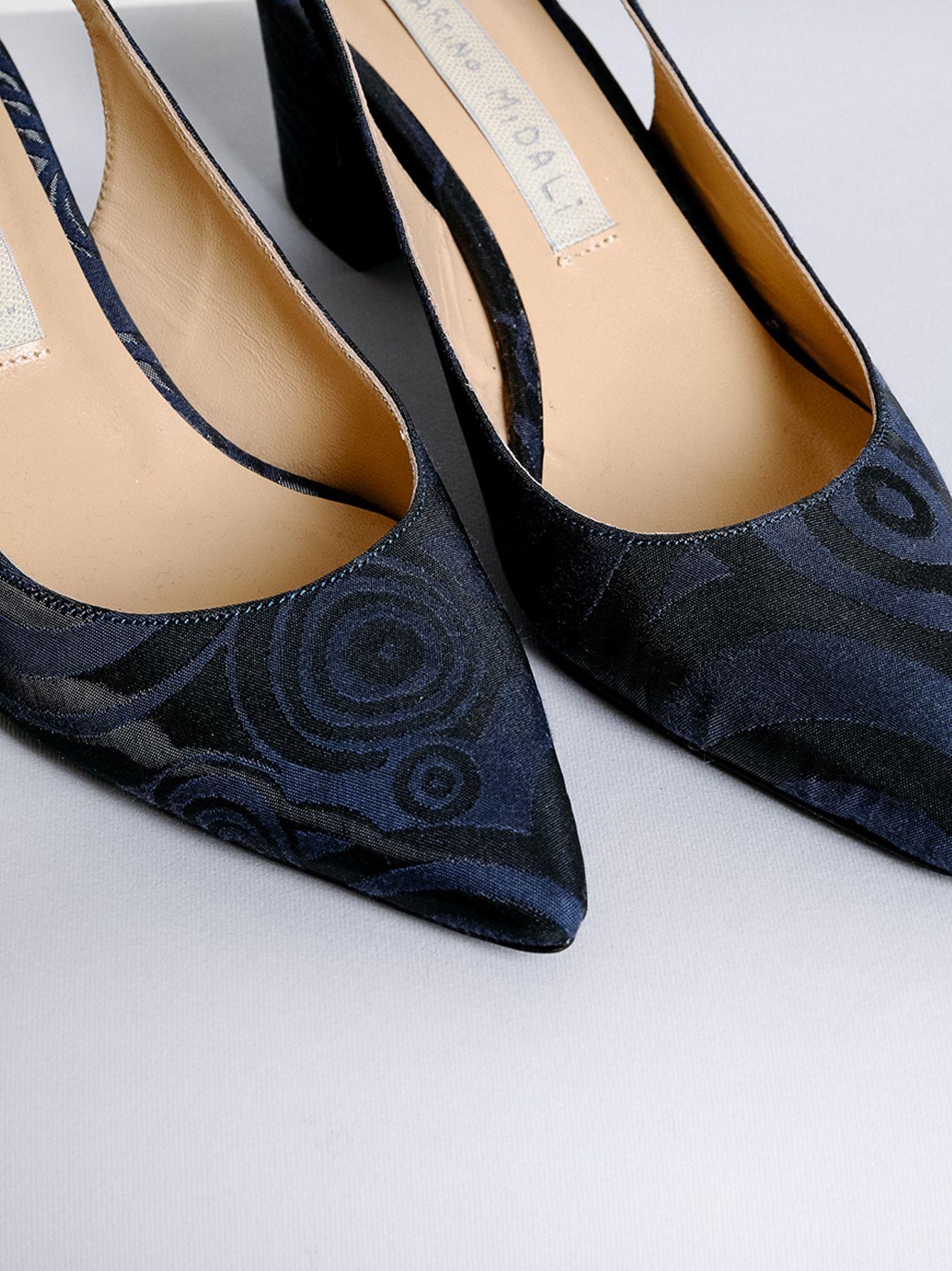 Zapatos modelo Chanel con diseño JACQUARD