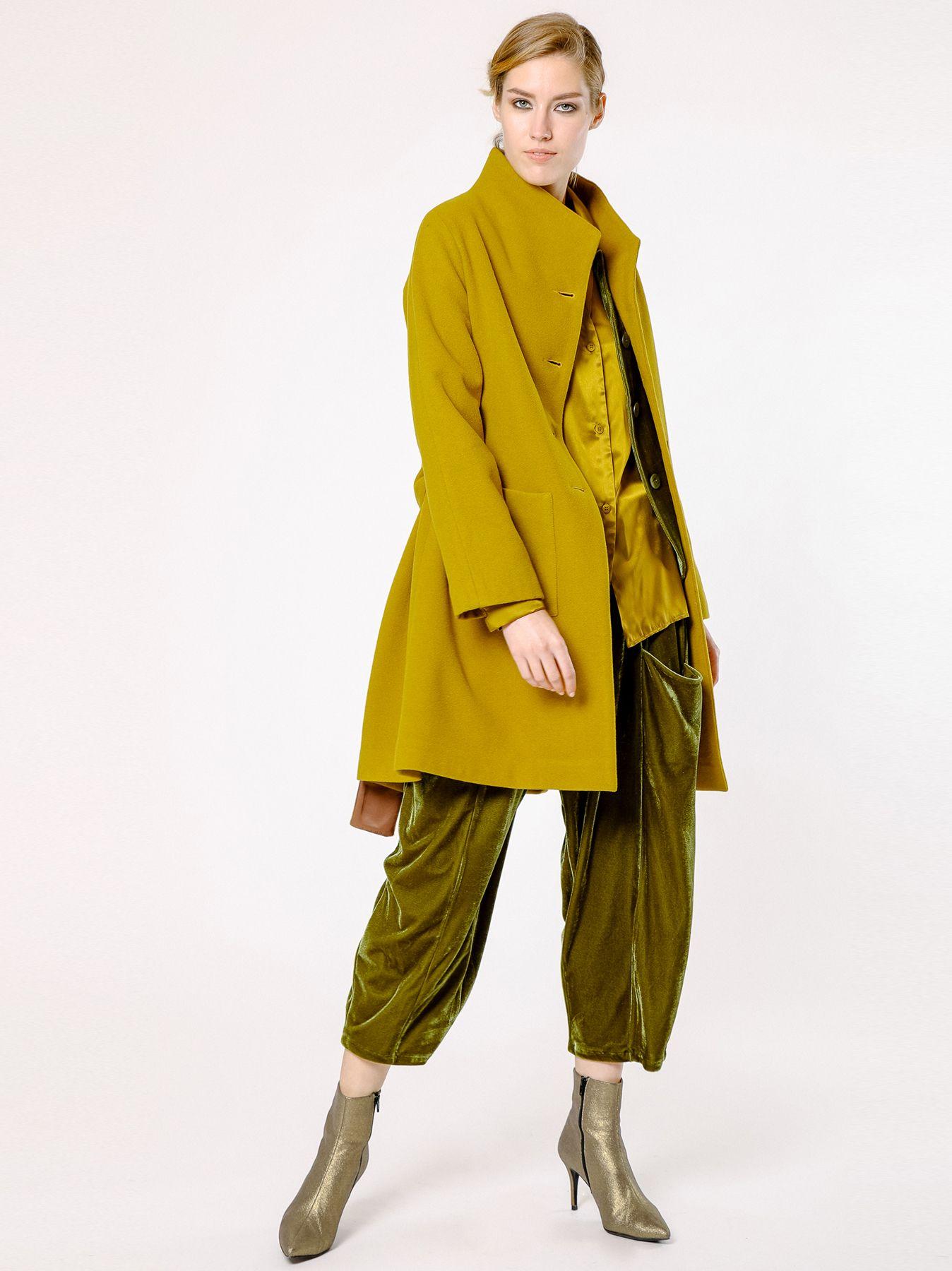 Cappotto svasato in velour di lana