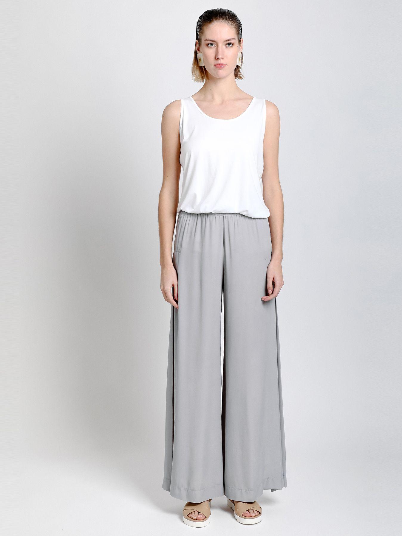 Pantalón con fondo doblado