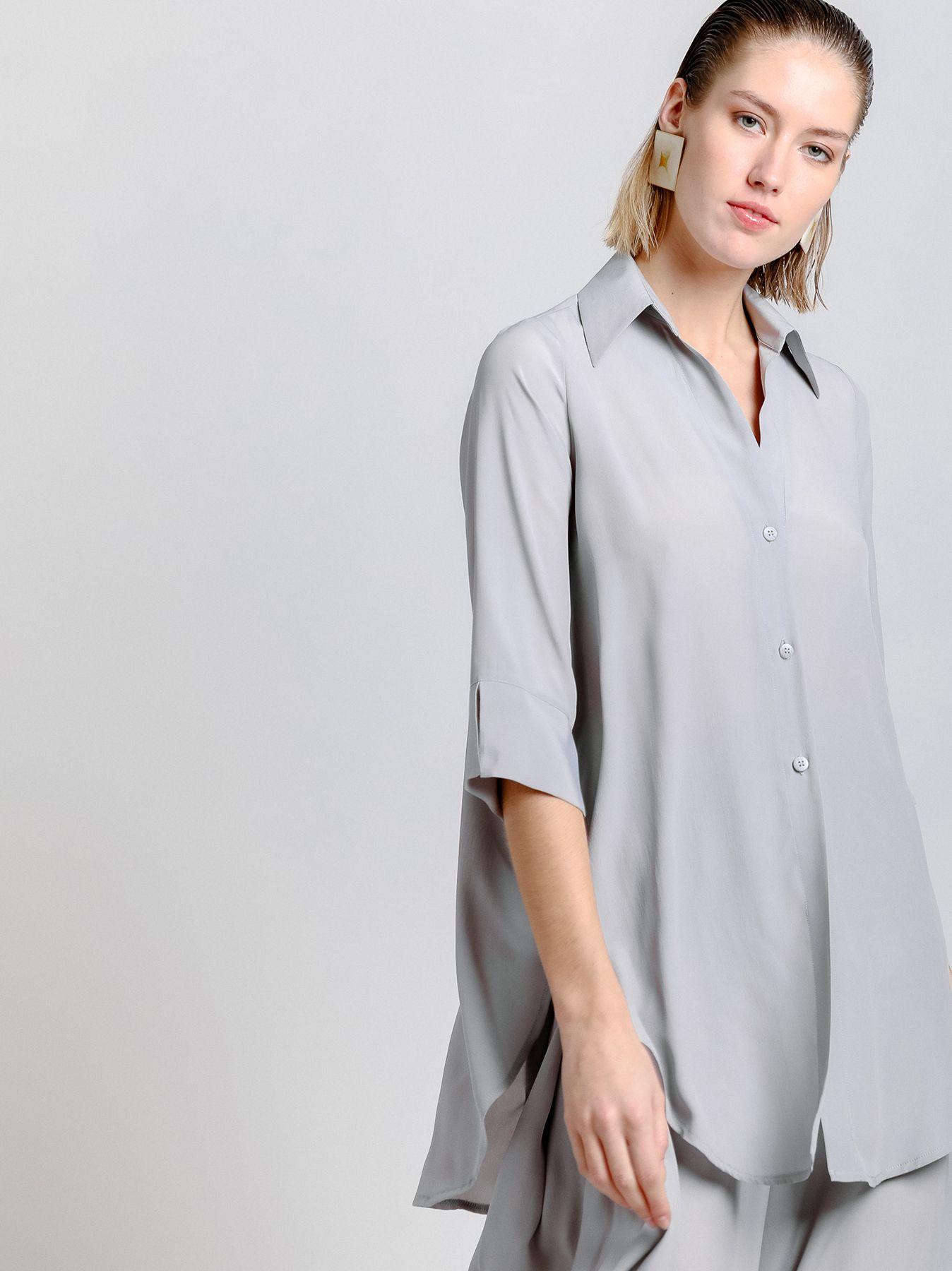 Camisa con fondo de escamas