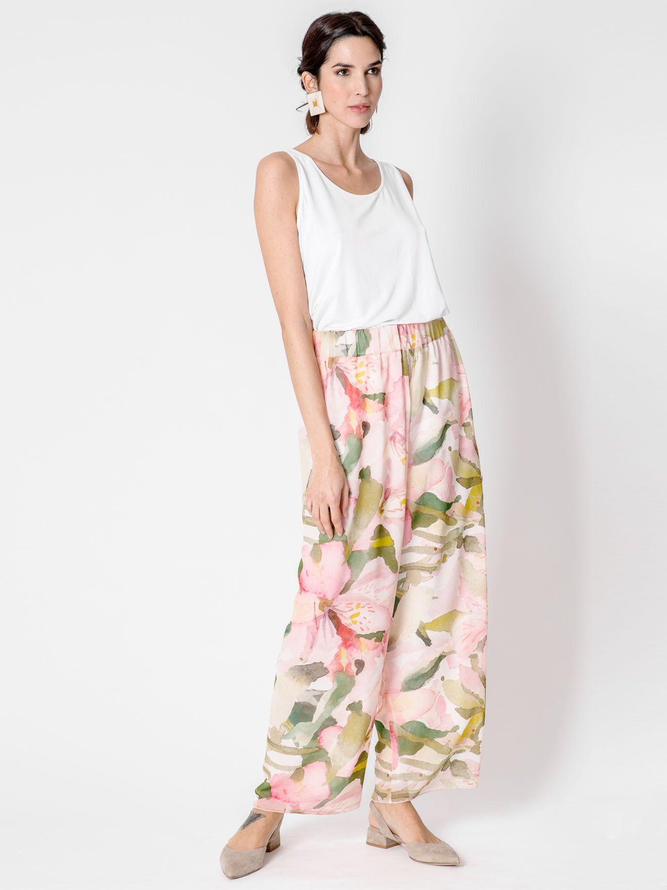 Pantalone ampio con disegno floreale astratto