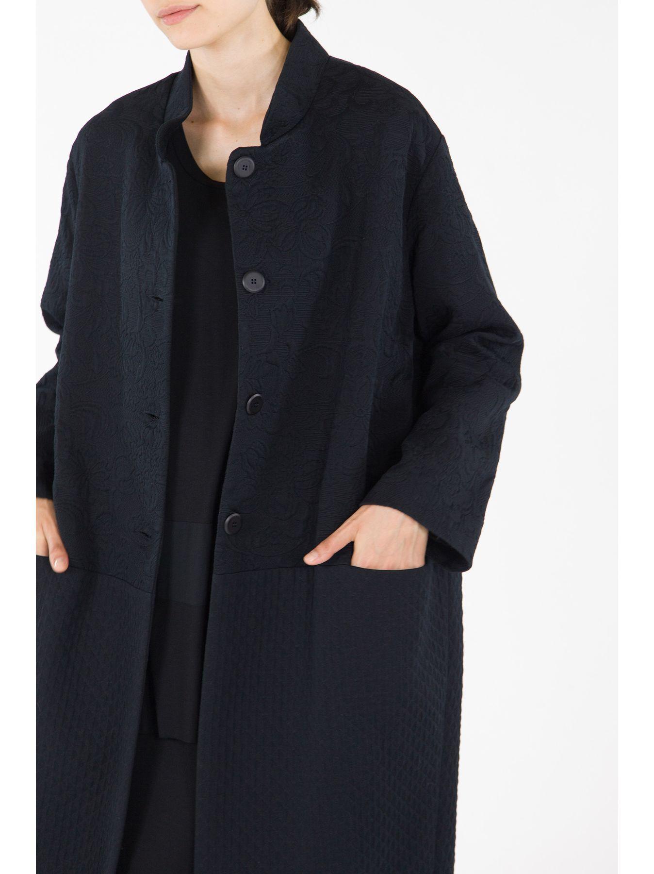 Long matelassé coat