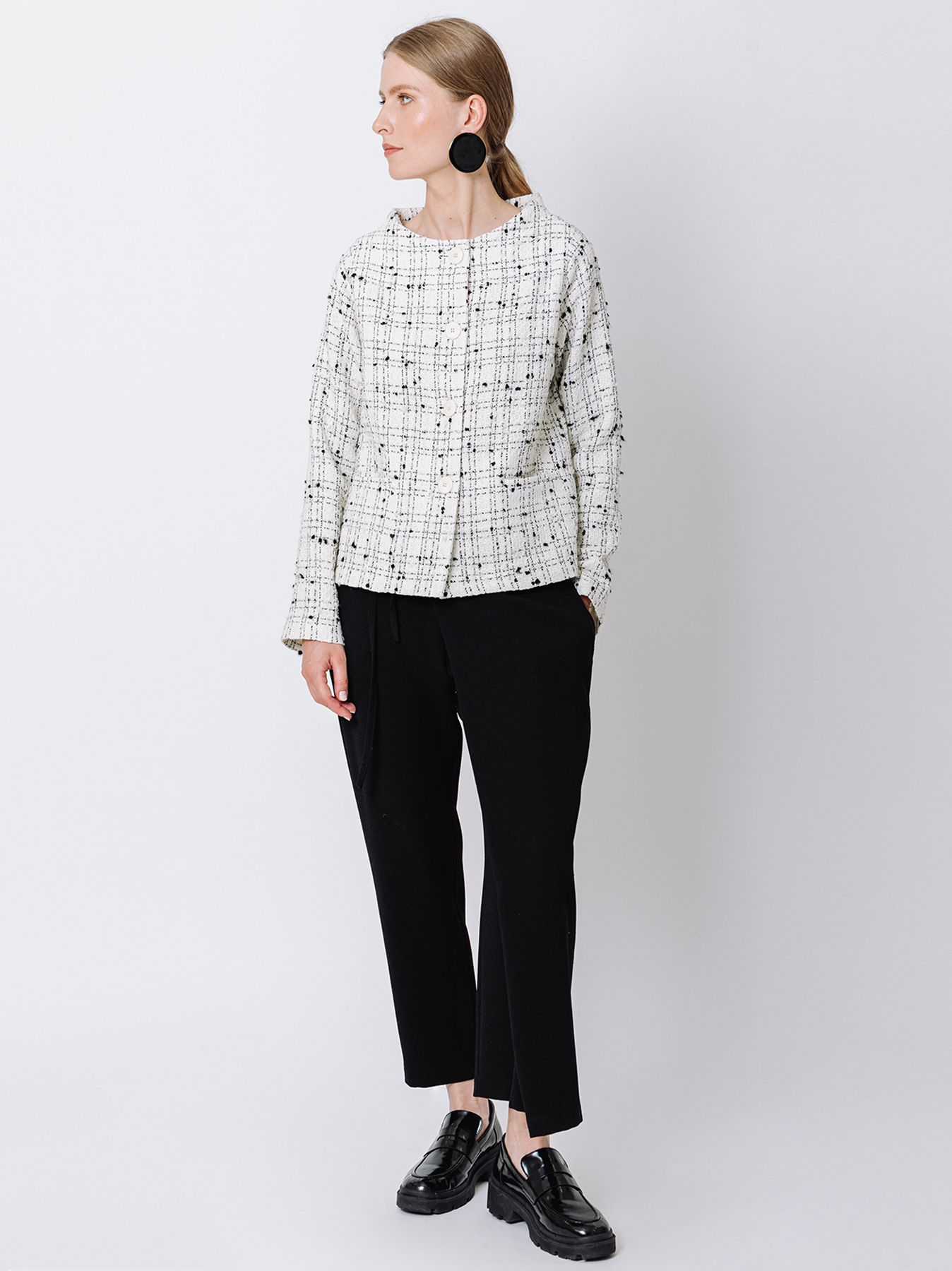 Short jacket with four buttons