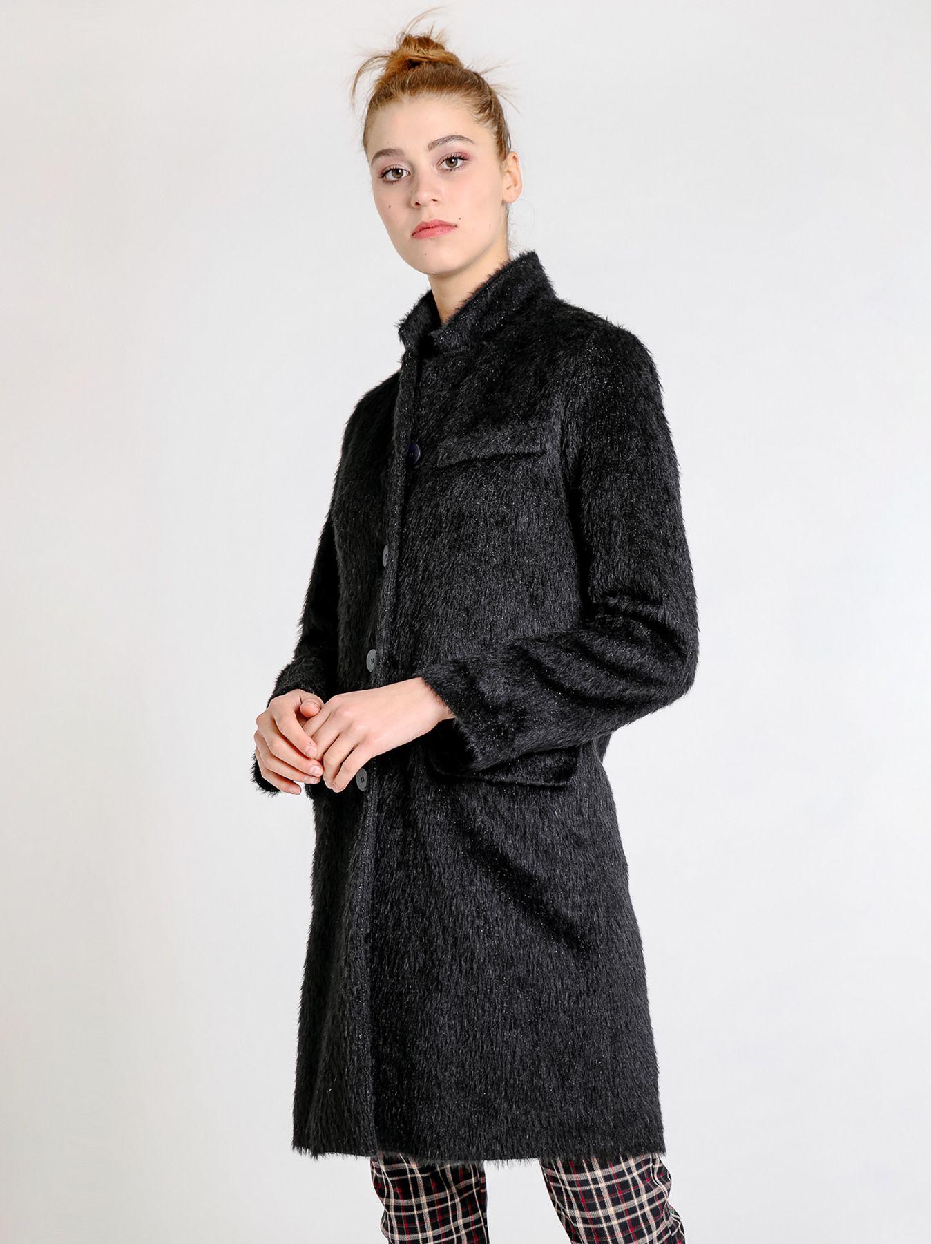 Cappotto taglio maschile a pelo lungo