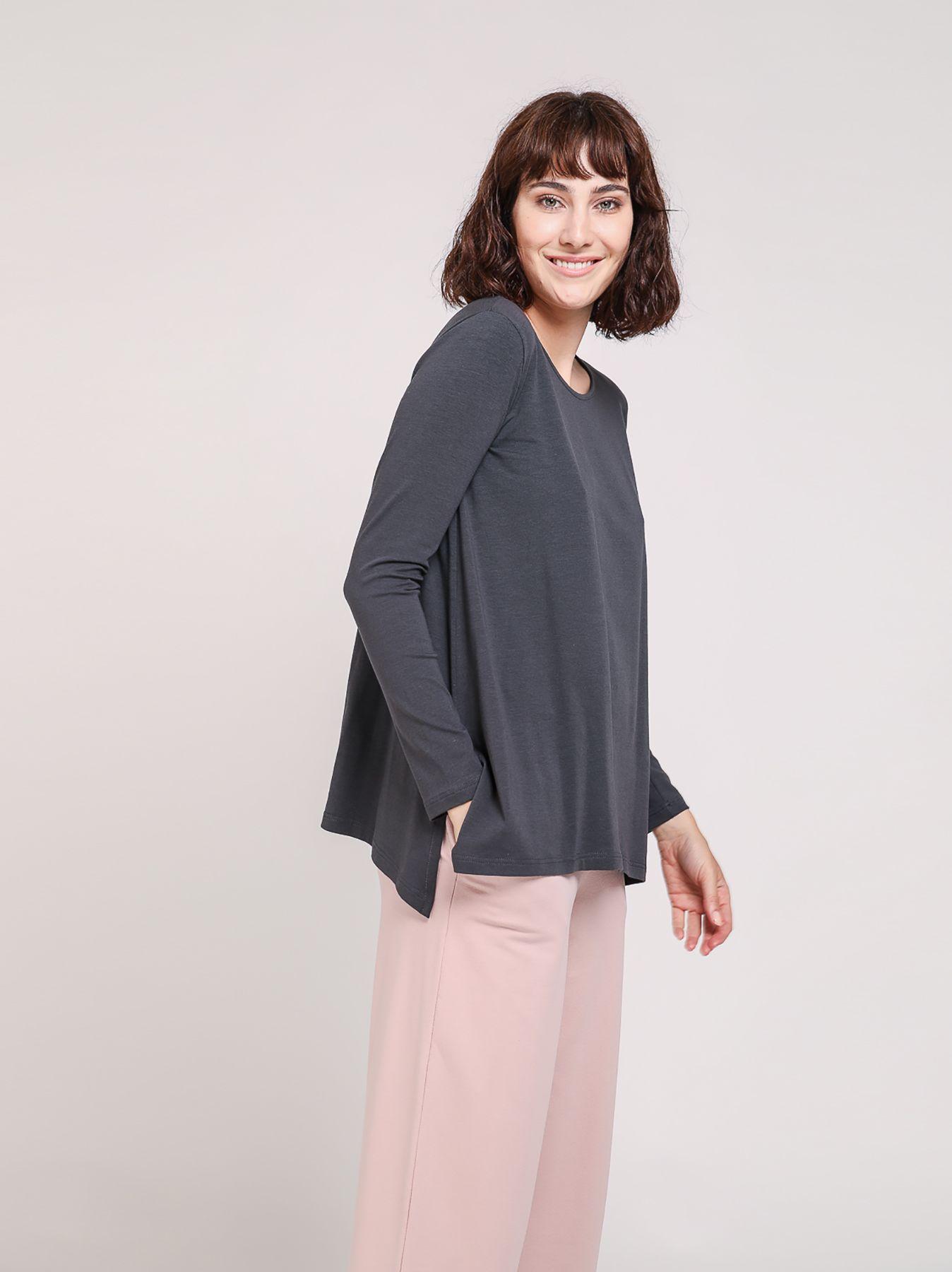 T-shirt svasata in cotone