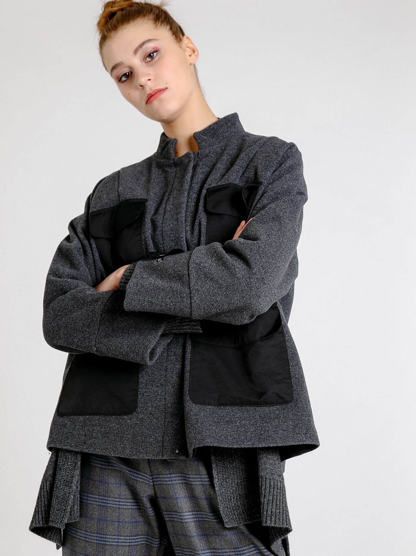 Giacca in panno di lana con inserti in tessuto tecnico