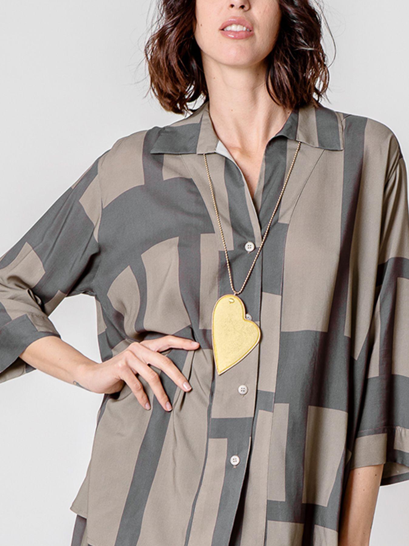 Camicia svasata con stampa geometrica