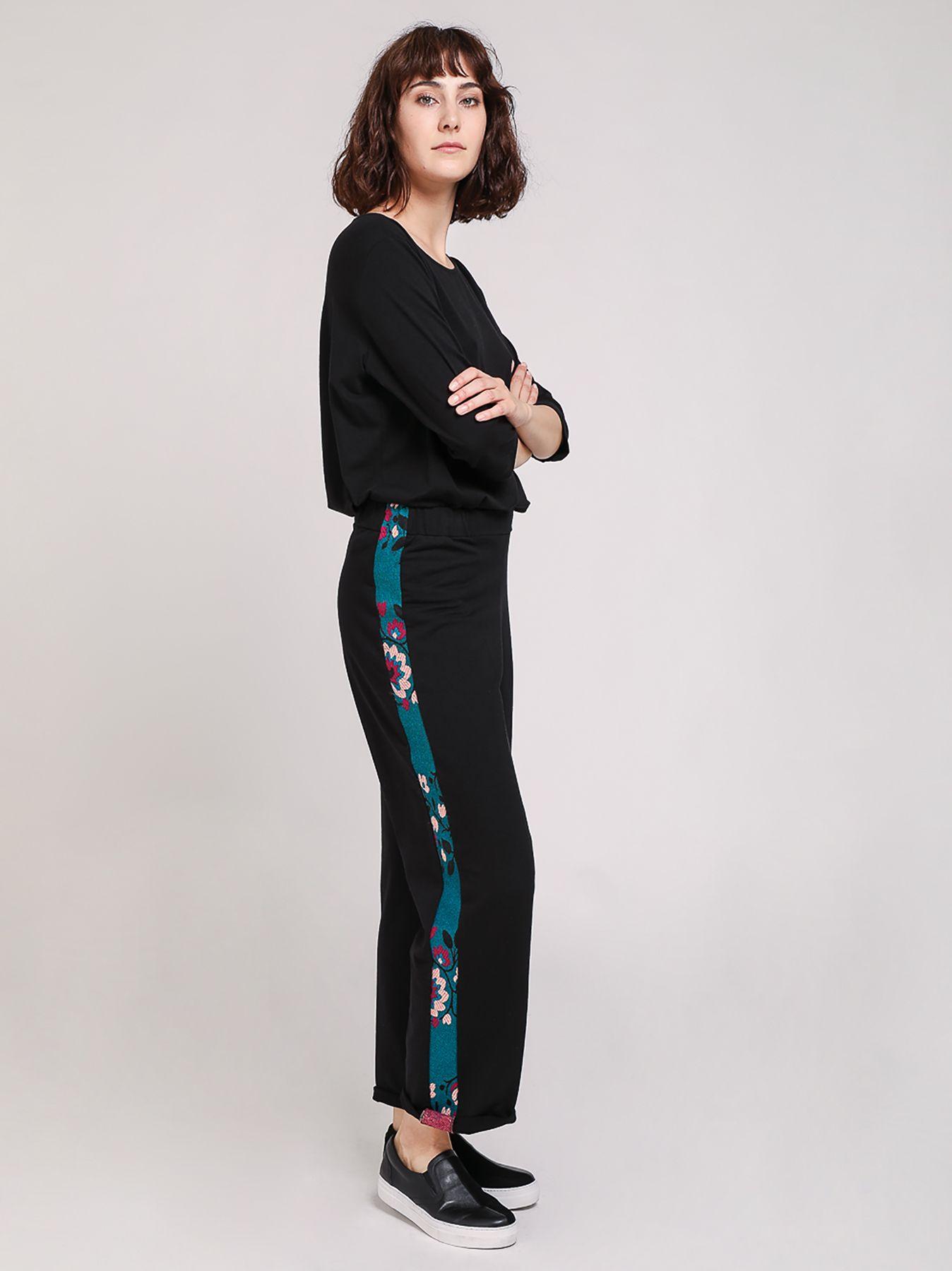 Pantalone in felpa con banda floreale