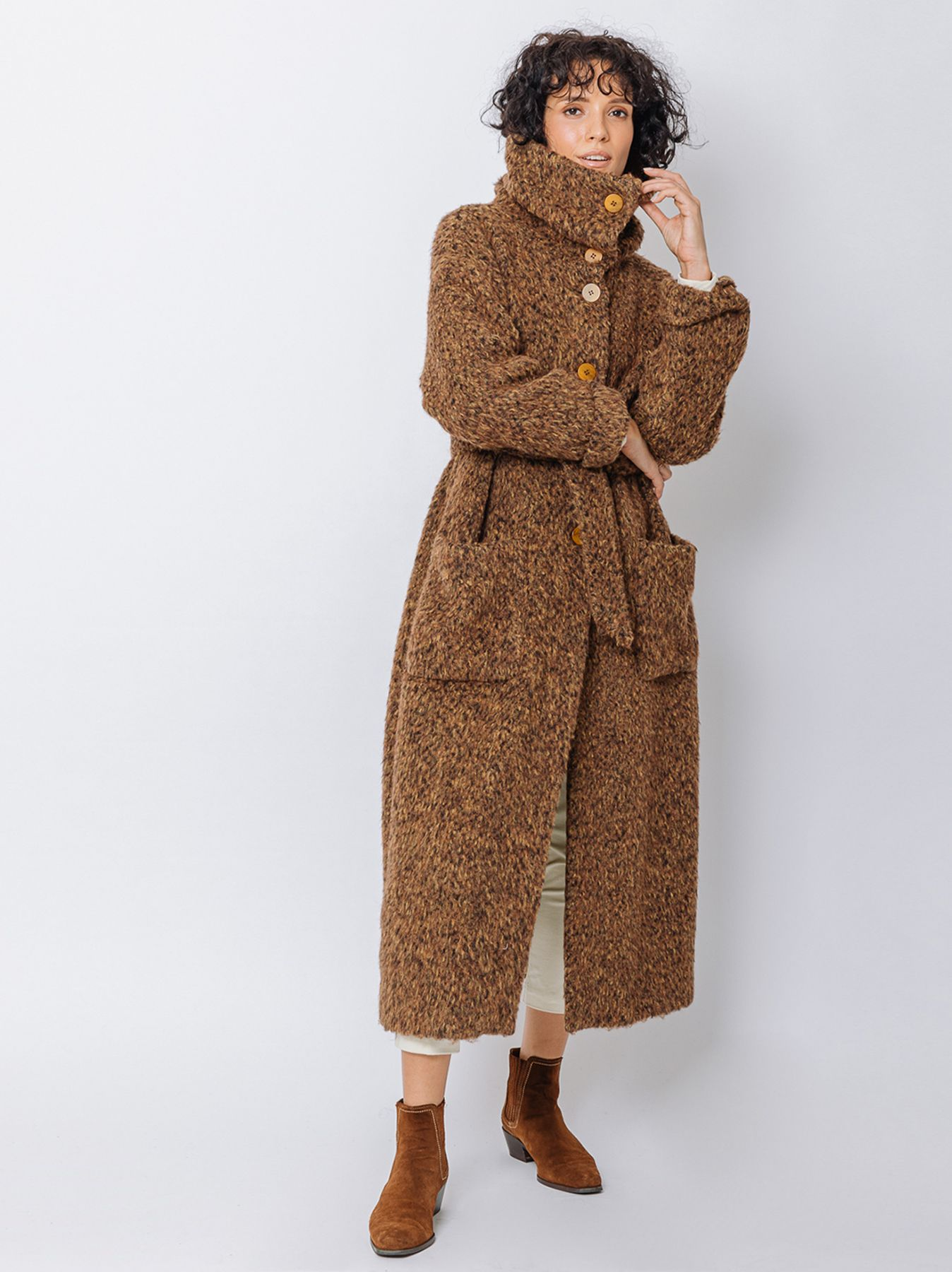 Bouclé egg-shaped coat