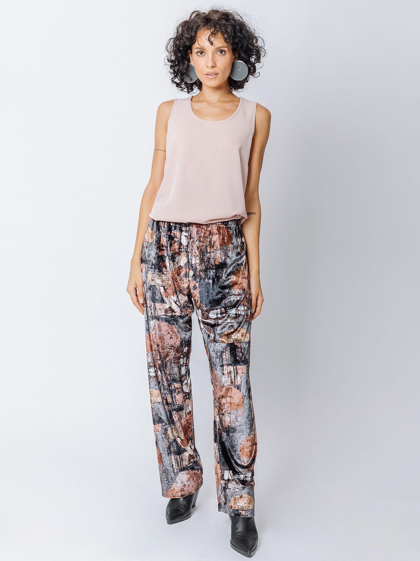 Soft trousers in printed velvet