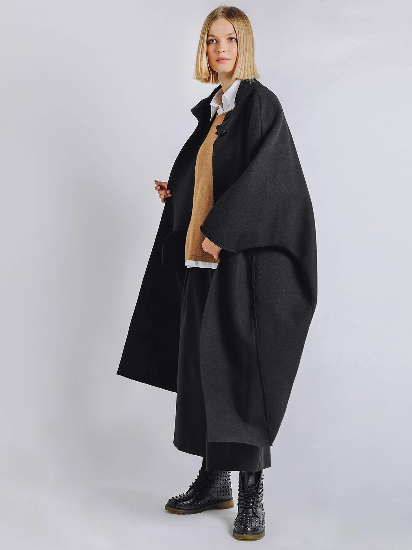 Cappotto lungo stile cappa in panno leggero