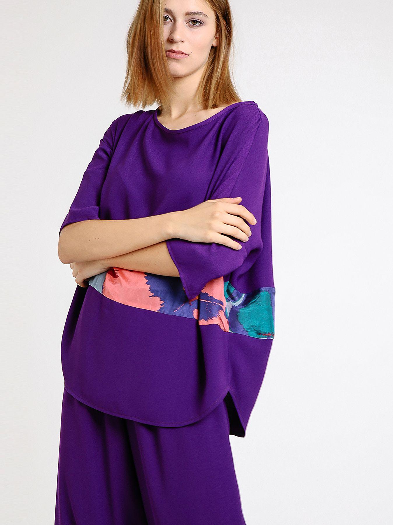 T-shirt ovetto con inserto in seta